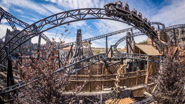Descubre el famoso parque de atracciones Phantasialand y alójate en la ciudad cultural de Colonia