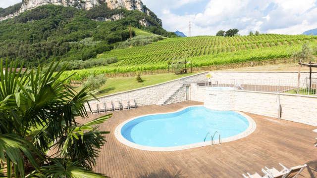 Relax tra i vigneti trentini con accesso alla spa a due passi dal Lago di Garda
