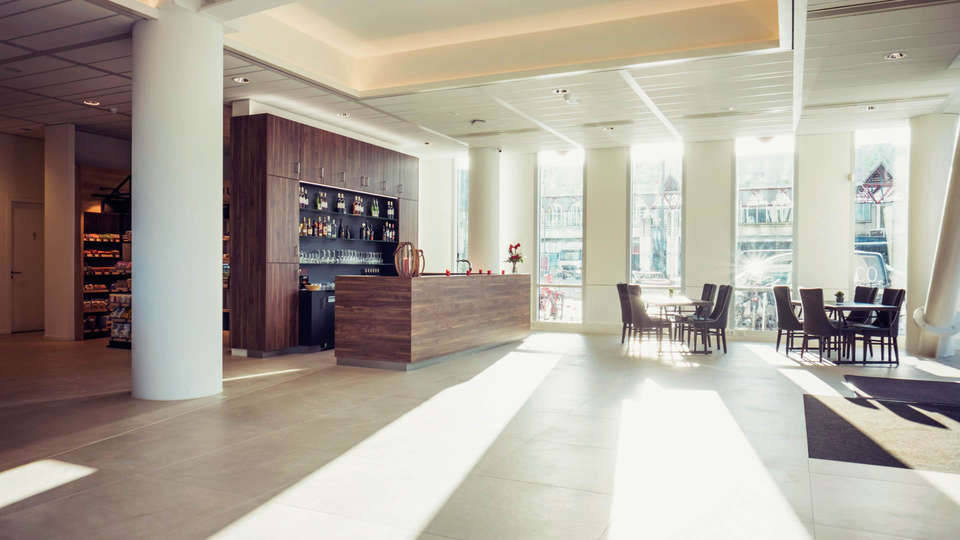 Best Western Plus Plaza Almere - EDIT_NEW_RECEPTION.jpg