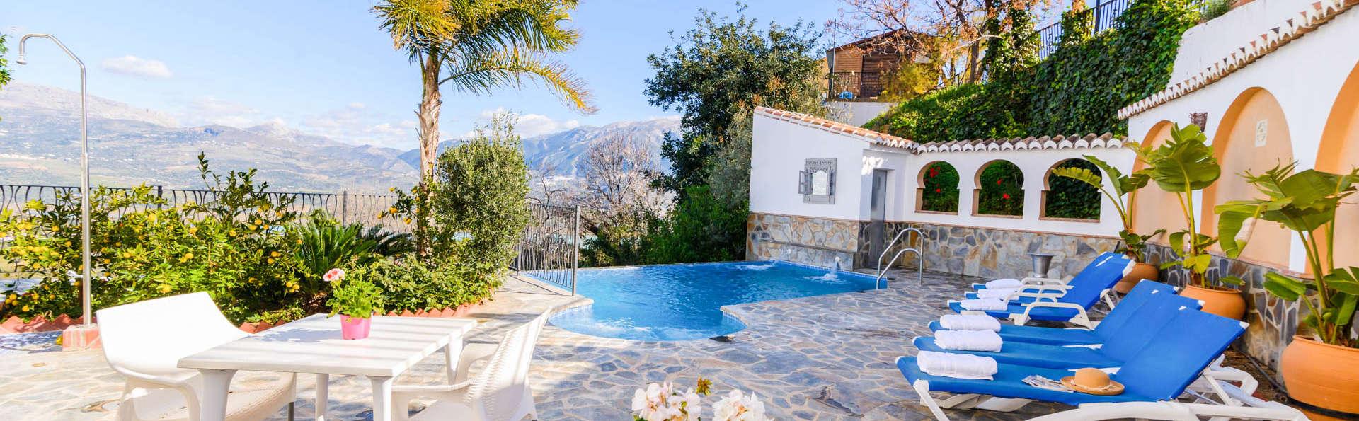 Détendez-vous avec vue sur le réservoir de la Viñuela, bouteille de cava et spa privé !
