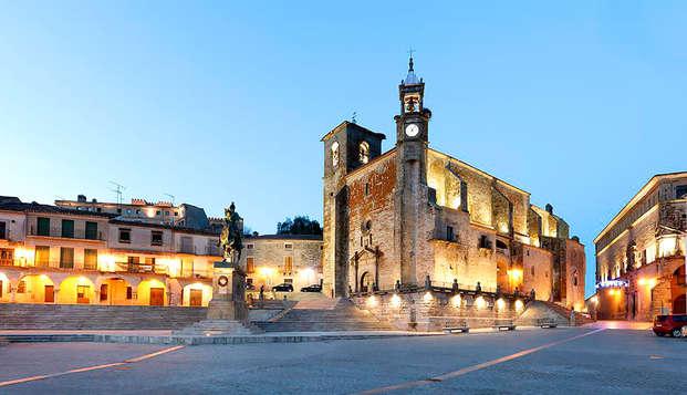 Escapada de lujo en el centro histórico de Trujillo en un Palacio del Siglo XVI