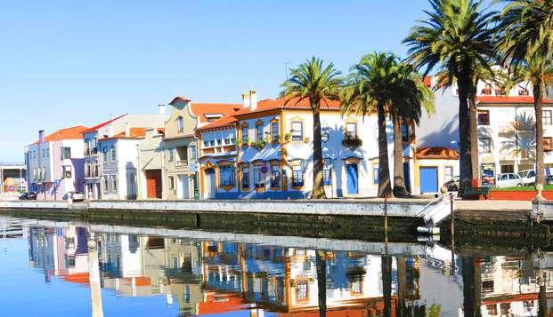 Escapada con ovos moles y paseo en barco moliceiro en la encantadora Venecia portuguesa