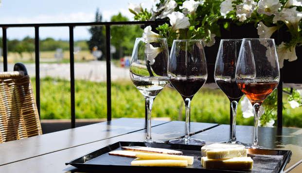 Escapada en estudio para 2 en L'Escala con desgutación de vino y aceite en Pau
