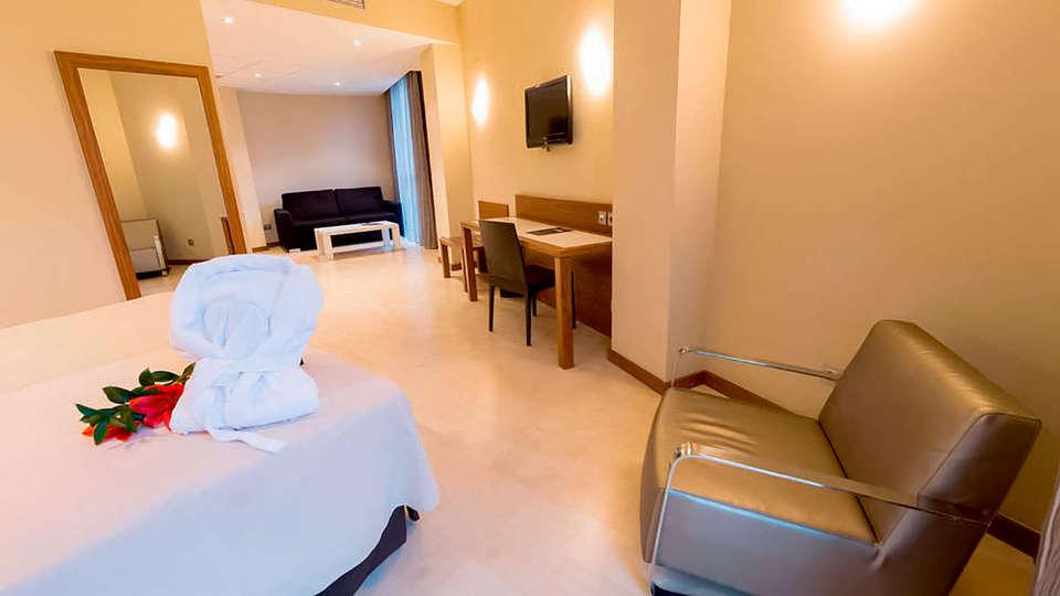 Hotel Gran Bilbao - Edit_Room6.jpg