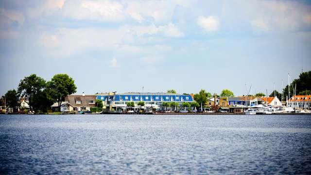 Verkennen en dineren aan de oevers van de Loosdrechtse plassen (vanaf 2 nachten)