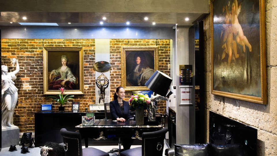 Hôtel Plaza Elysées - EDIT_RECEPTION.jpg