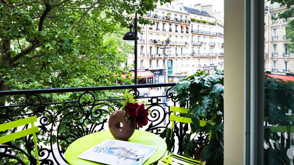 Hôtel Plaza Elysées - EDIT_ROOM5.jpg