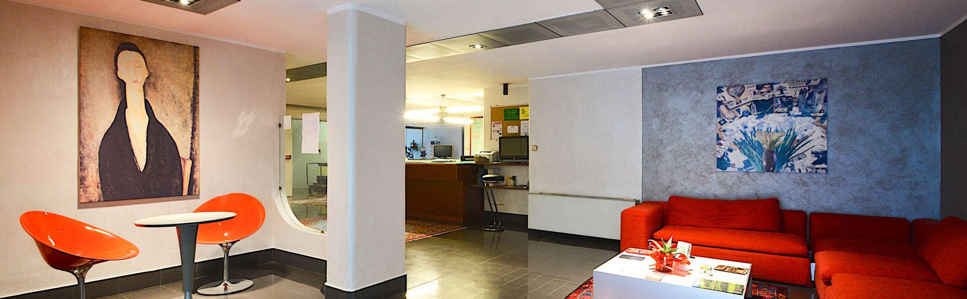 Residence Hotel Torino Uno - EDIT_RECEPTION.jpg