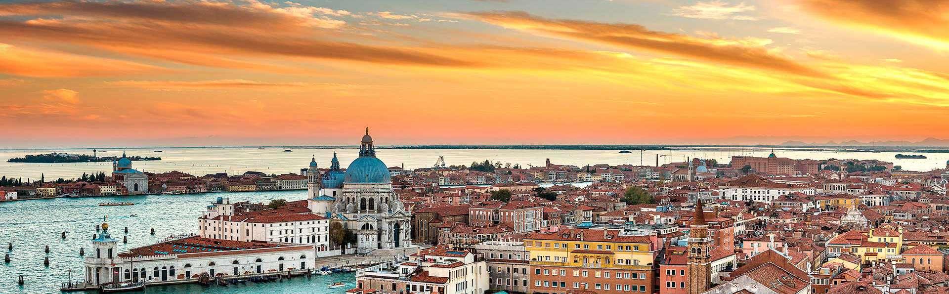 Séjournez entre Mestre et Venise avec le service de navette vers le centre de Venise inclus !