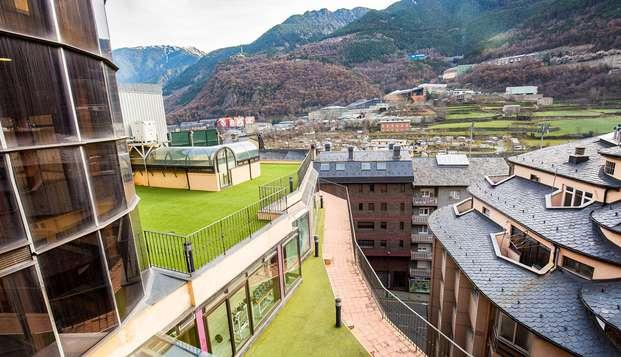 Descubre Andorra la Vella desde el corazón de la ciudad con vistas en habitación superior