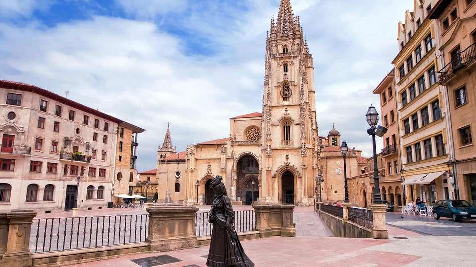 Silken Monumental Naranco - EDIT_OVIEDO.jpg
