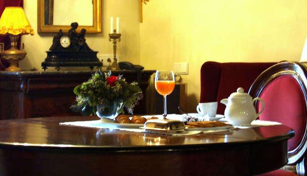 Escapada con desayuno incluido en un antiguo palacio del s.XVI cerca de la costa cántabra