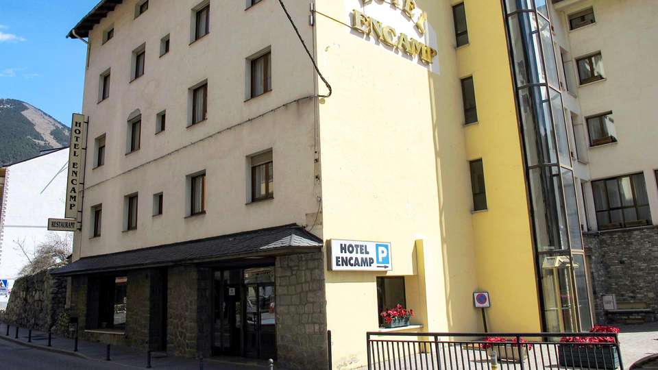 Hotel Encamp - EDIT_FRONT_01.jpg