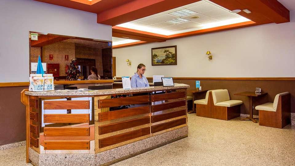 Hotel Encamp - EDIT_LOBBY_01.jpg