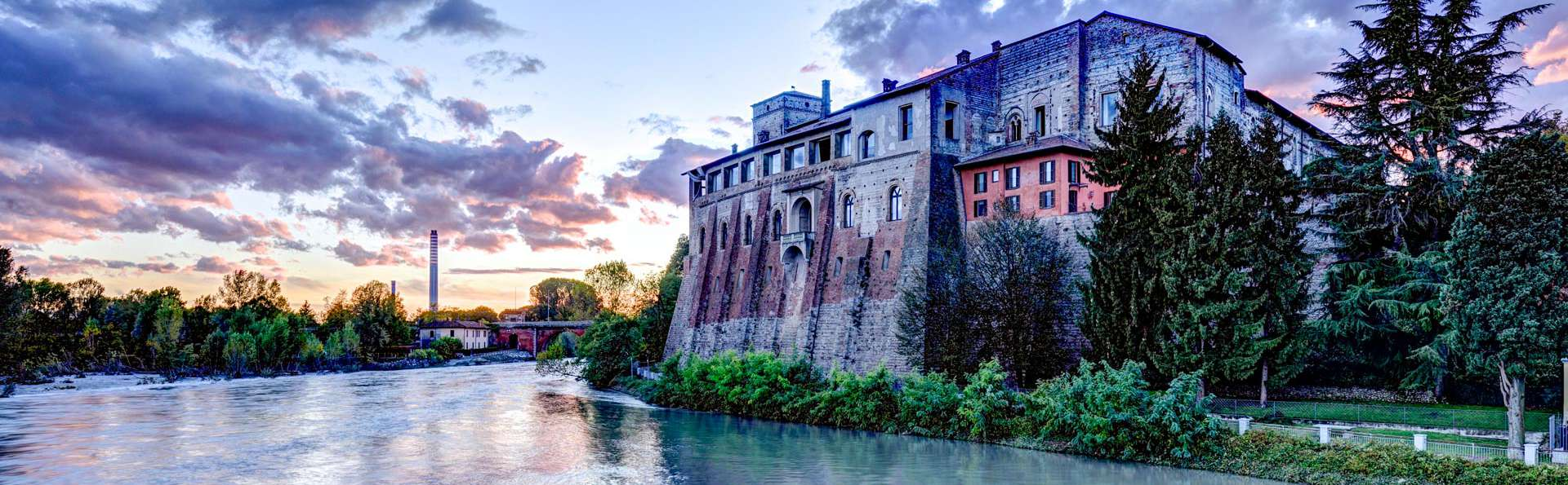Charme au bord de la rivière Adda près de Monza