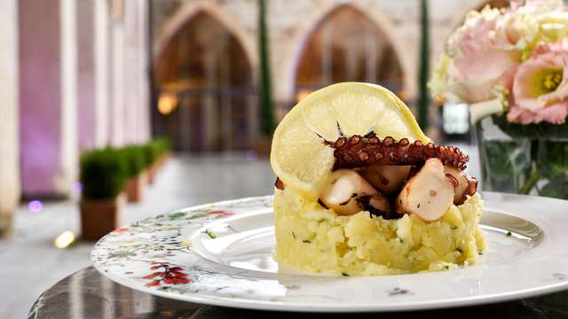 Dégustez et détendez-vous aux portes de Milan dans un château du XIIIème siècle avec dîner inclus !