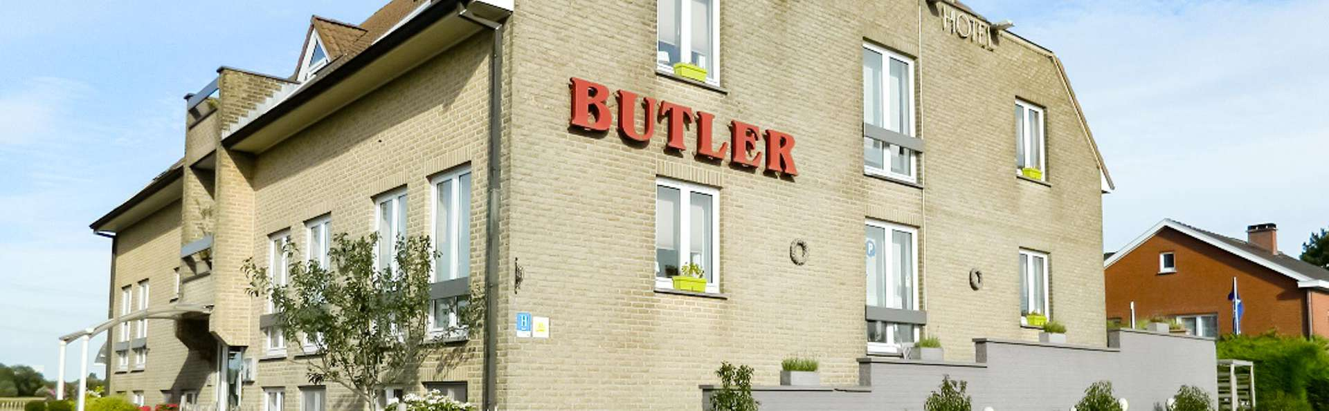 Hotel Butler - EDIT_NEW_FRONT_01.jpg