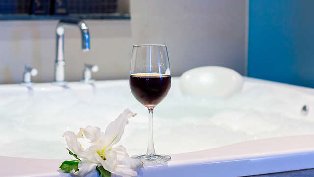 Romanticismo con lovebox y jacuzzi privado en Platja d'Aro