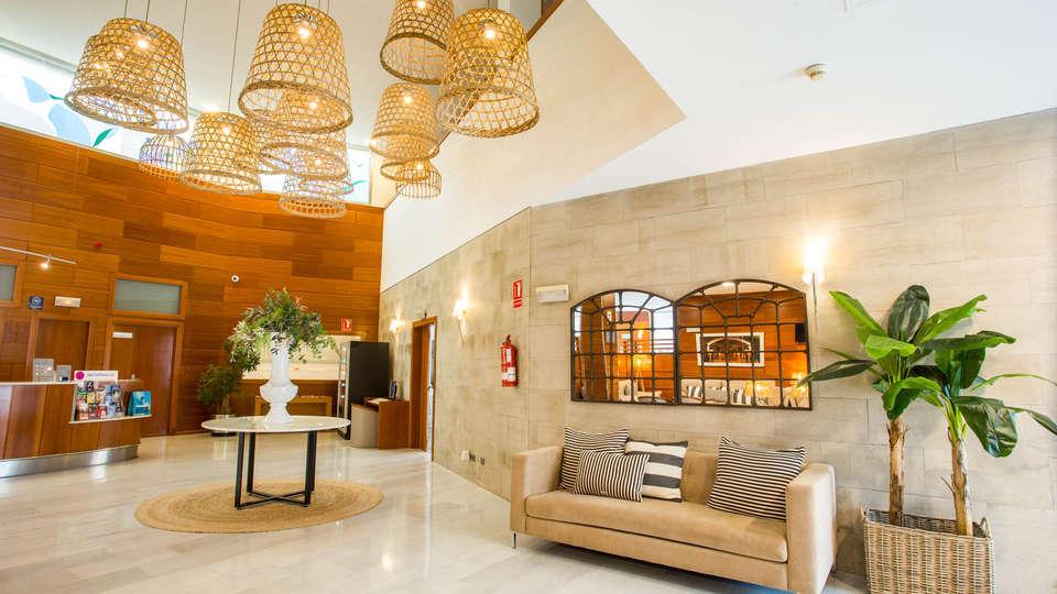 Hotel Alaquas - EDIT_N2_LOOBY3.jpg