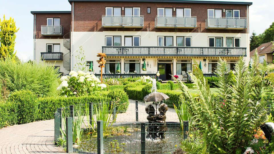 Hotel Bemelmans - EDIT_NEW_FRONT.jpg