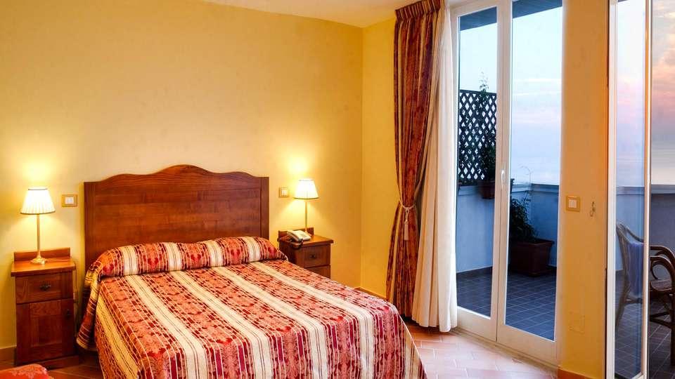 Hotel Baia - EDIT_TRIPLE_01.jpg