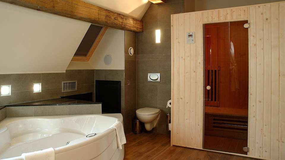 Van Eyck Hotel  - EDIT_N2_BATHROOM_02.jpg