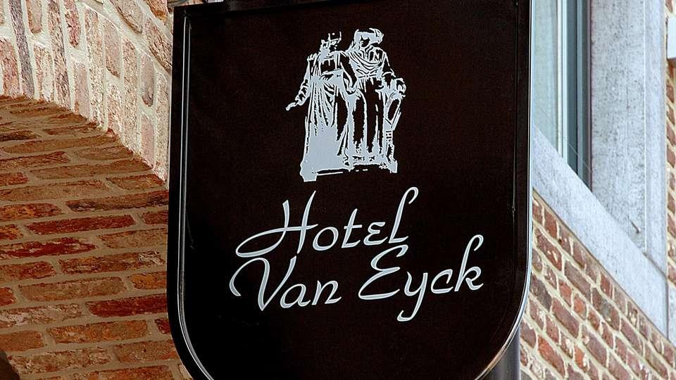 Van Eyck Hotel  - EDIT_N2_FRONT_01.jpg