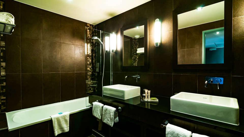 Hôtel SPA de Fontcaude - EDIT_NEW_BATHROOM.jpg