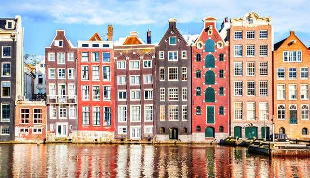 Hôtel branché à Amsterdam pour découvrir la ville et goûter aux spécialités locales