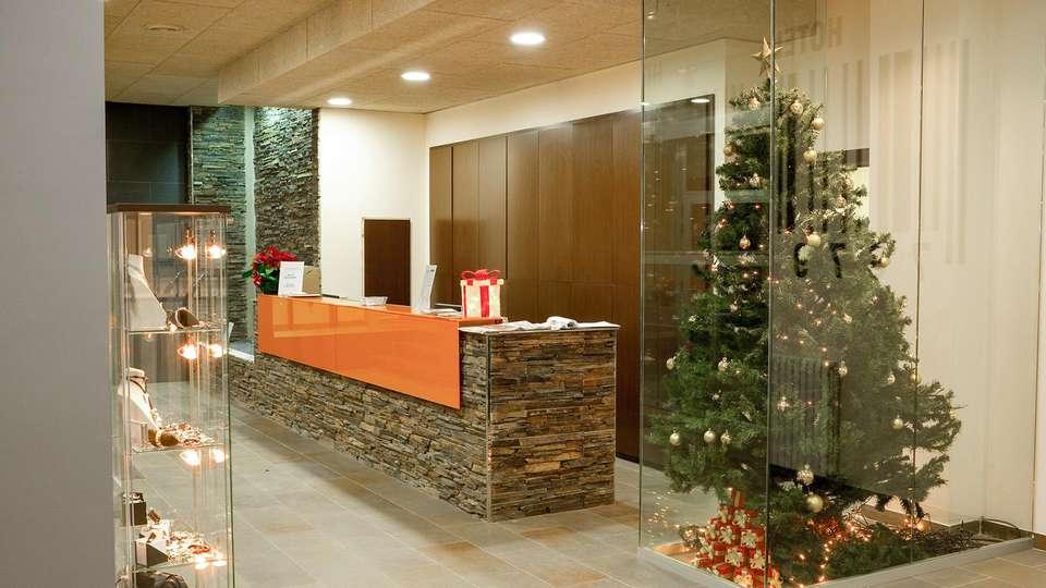 Hotel Solana Arinsal - EDIT_LOBBY_01.jpg