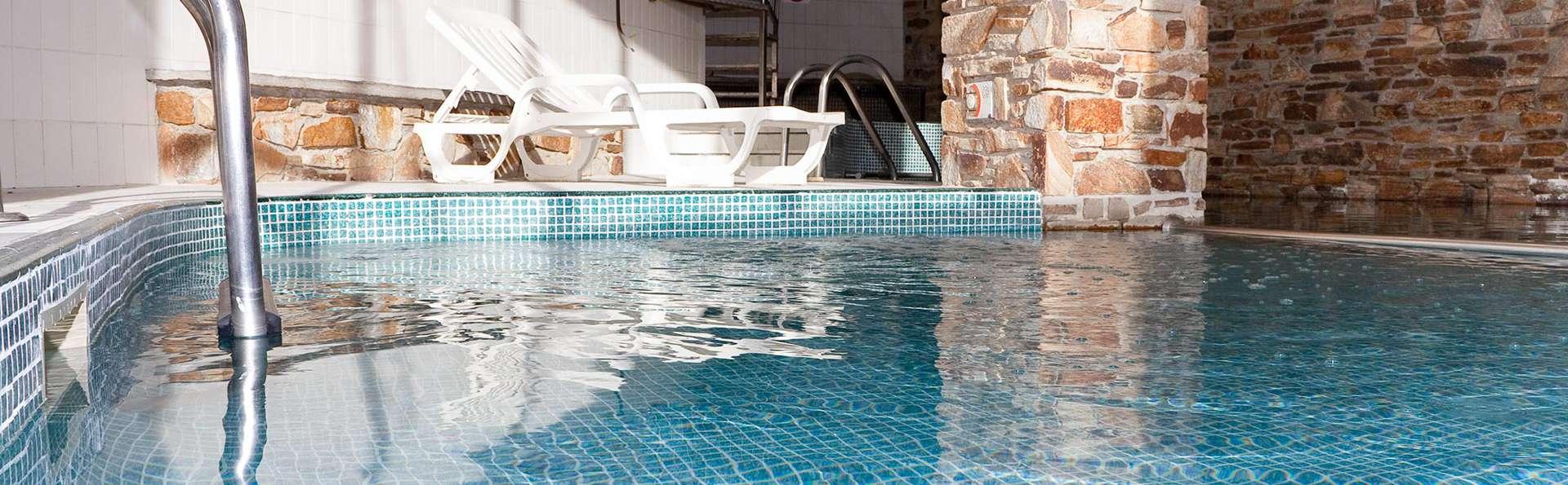 Hotel Solana Arinsal - EDIT_POOL_01.jpg