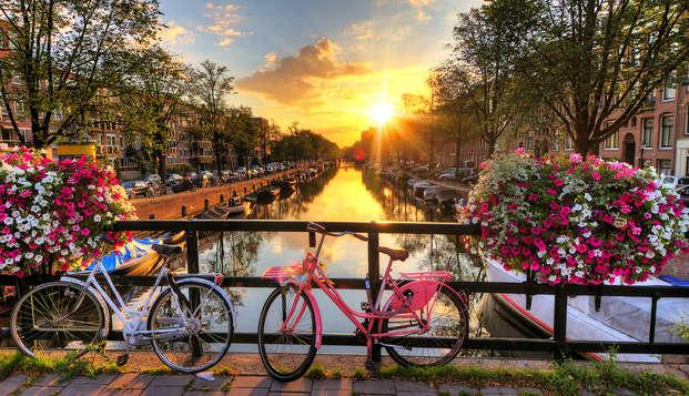 Ontdek Amsterdam, het Venetië van het Noorden, met het hele gezin