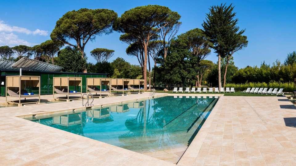 Hotel Balneari Vichy Catalan - EDIT_N2_POOL_01.jpg