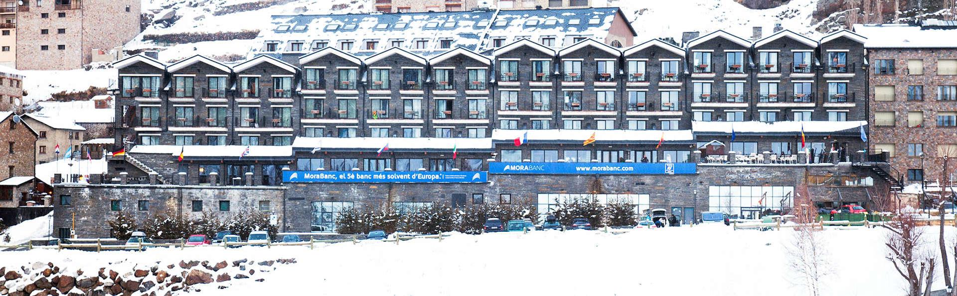 Hotel Piolets Soldeu Centre - EDIT_Exterior_Winter_1.jpg