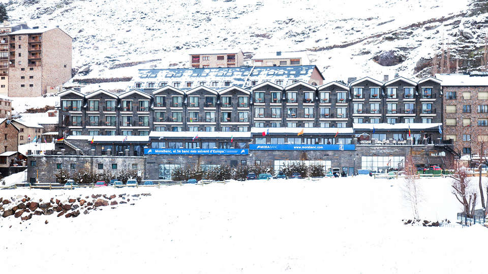 Hotel Piolets Soldeu Centre - EDIT_Exterior_Winter_1.jpg