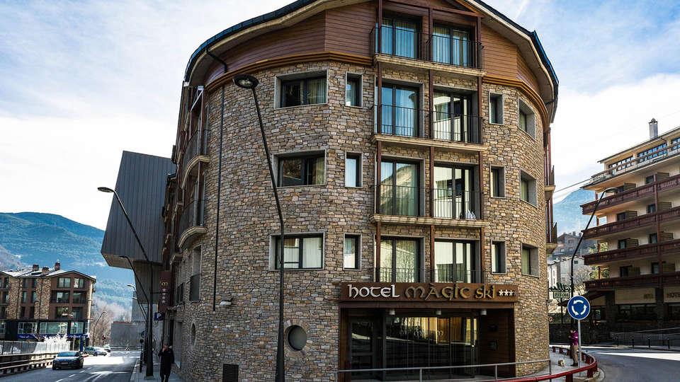 Hotel Màgic Ski - EDIT_Exterior_Summer_1.jpg