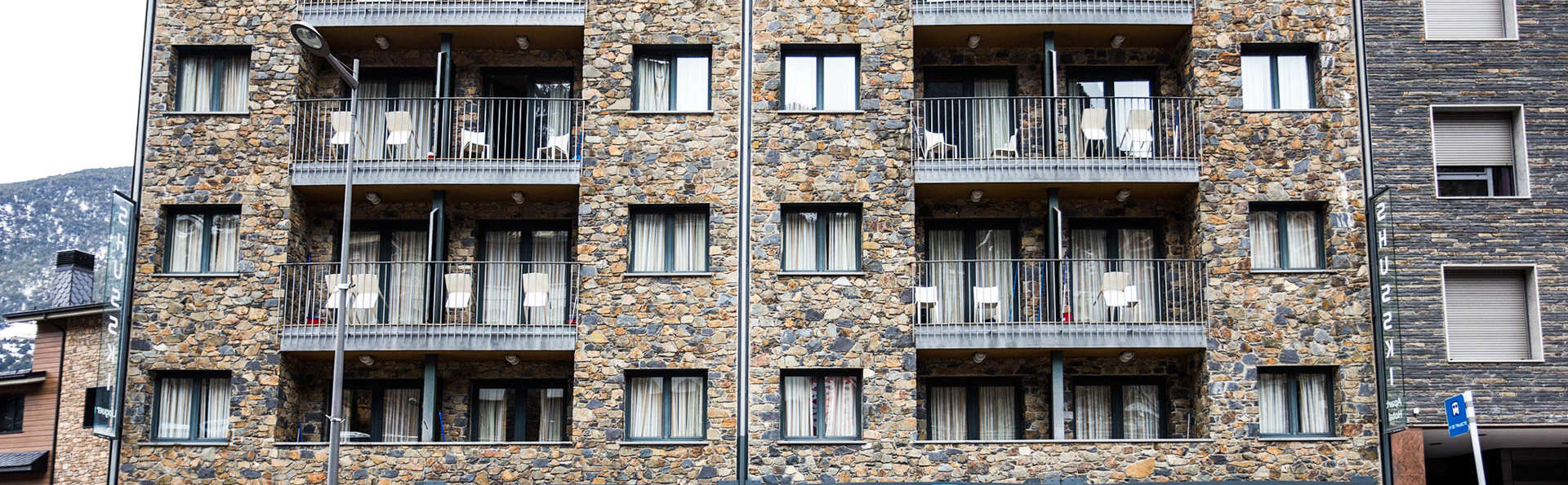 Aparthotel Shusski - EDIT_Exterior_Summer_1.jpg