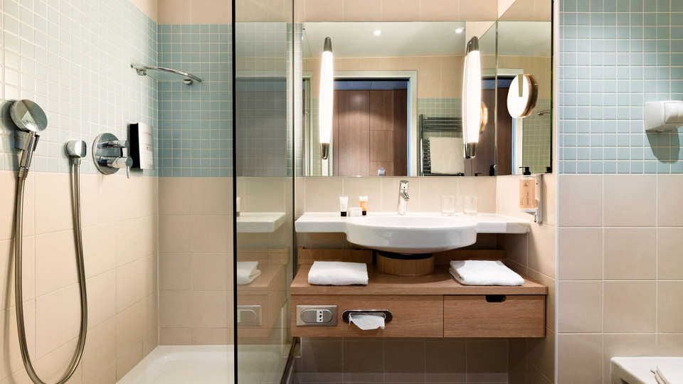 Mercure Chantilly Resort & Conventions - EDIT_NEW_BATHROOM2.jpg