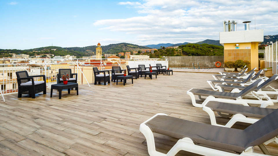 Hotel Espanya - EDIT_POOL2.jpg