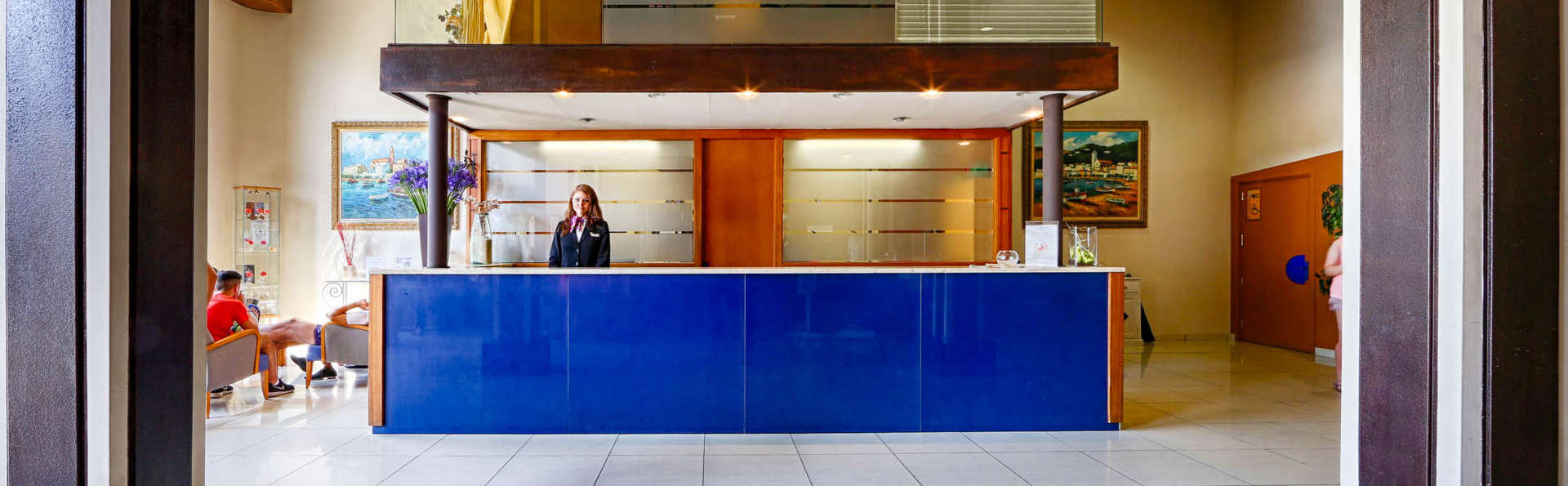 Hotel Espanya - EDIT_RECEPTION3.jpg