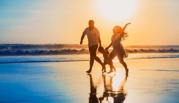 Descubre la Costa Daurada en media pensión con un niño incluido