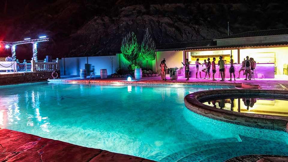 Hotel Jalance Experience - EDIT_POOL_04.jpg