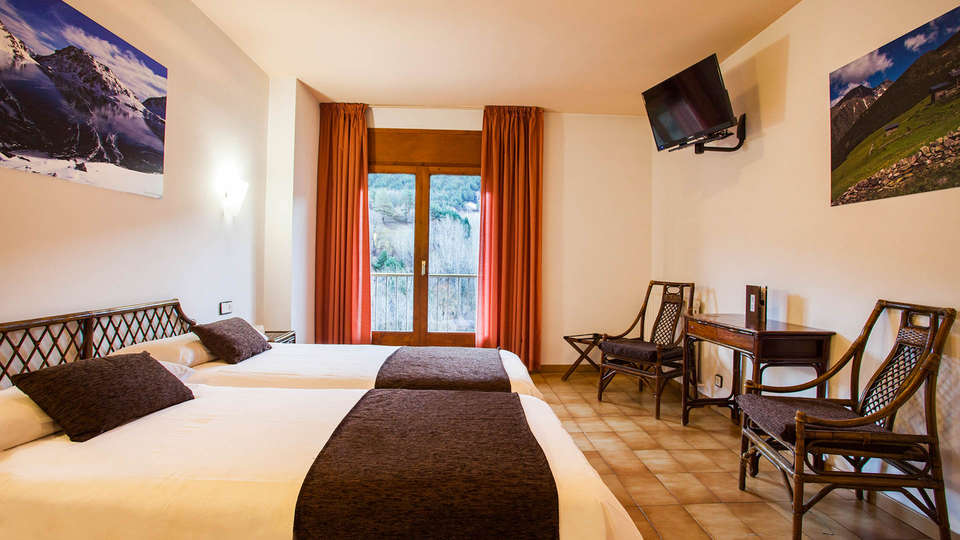 Hotel Marco Polo - EDIT_Double_Room_3.jpg
