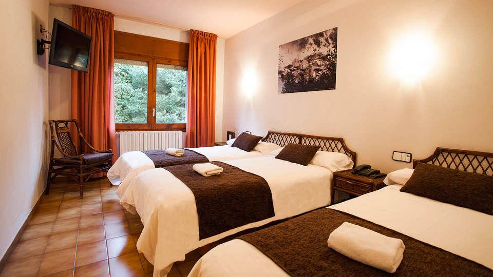 Hotel Marco Polo - EDIT_Triple_Room_3.jpg