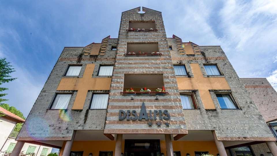 Hotel des Alpes - EDIT_FRONT_02.jpg