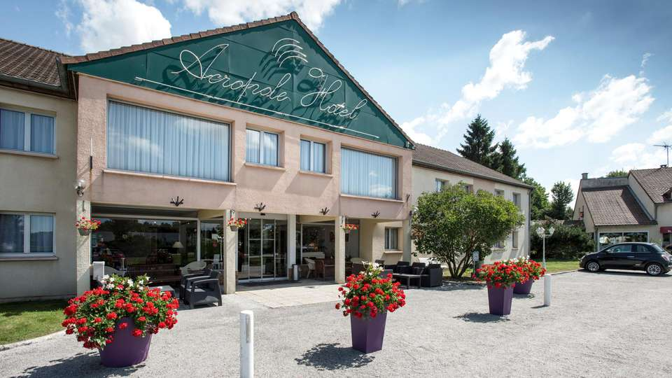 Hotel The Originals Bernay Acropole - EDIT_FRONT_01.jpg