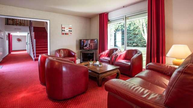 Hotel The Originals Bernay Acropole
