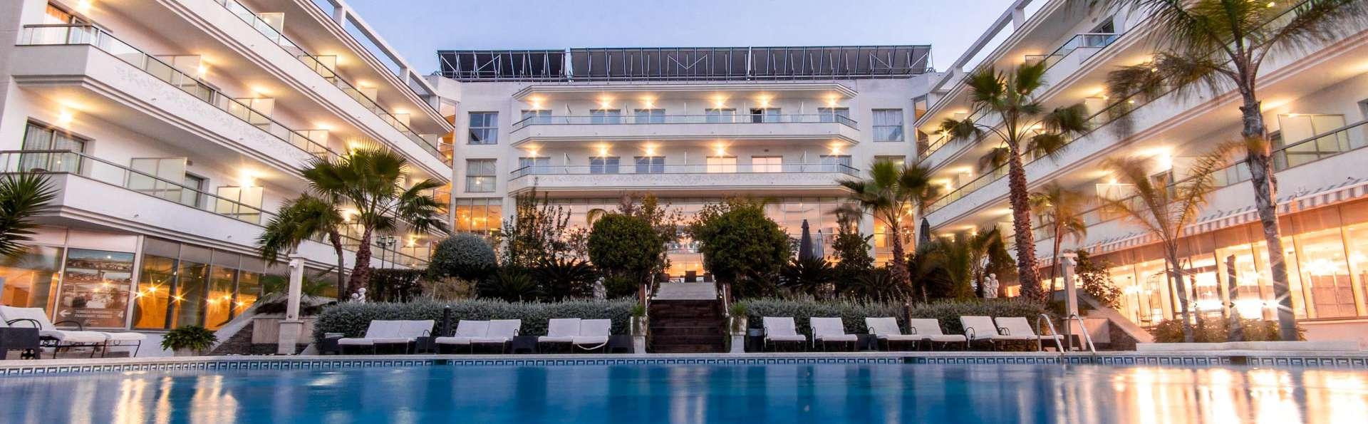 Mini-vacances dans un hôtel 4* à 600m de la plage : pension complète et accès au spa