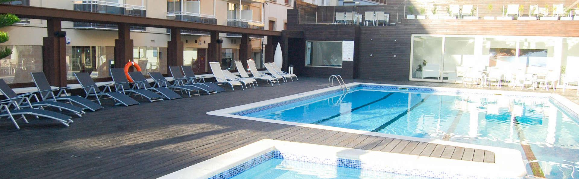 Hotel Mariner - EDIT_POOL6.jpg