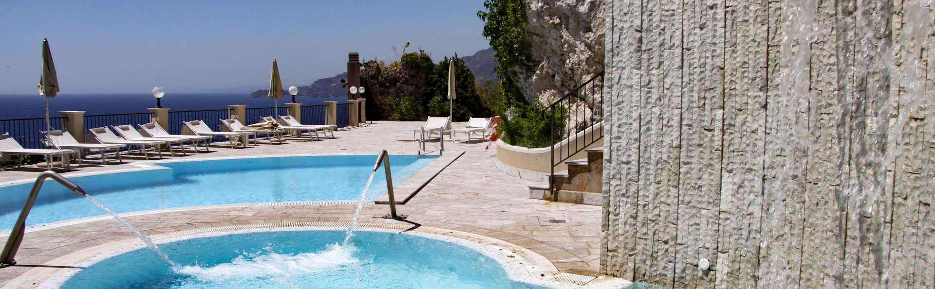 Sur la côte près de Taormina dans un hôtel 4* avec vue panoramique